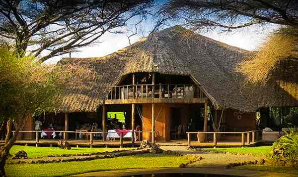 Lodge hébergements en safari au Kenya