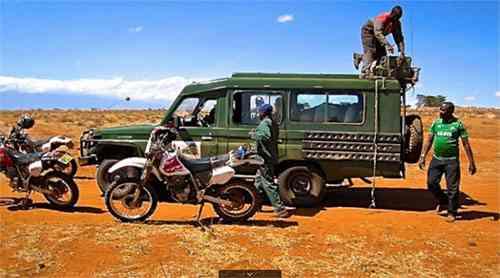 Safari à moto aventures randonnées à motos
